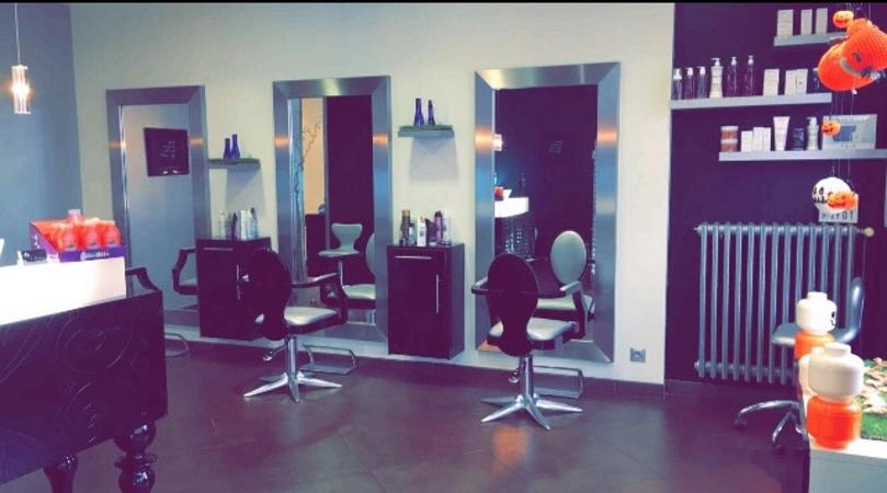 A l\'air libre: salon de coiffure tendance à Aix les Bains